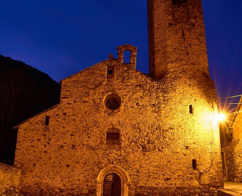 Fotografía nocturna en las calles del pueblo de Borén